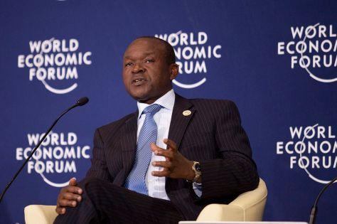 1280px-erastus_j-_o-_mwencha_-_world_economic_forum_on_africa_2012_2
